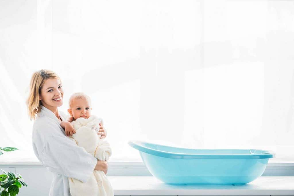 How To Make A Healing Breast Milk Bath For Your Baby